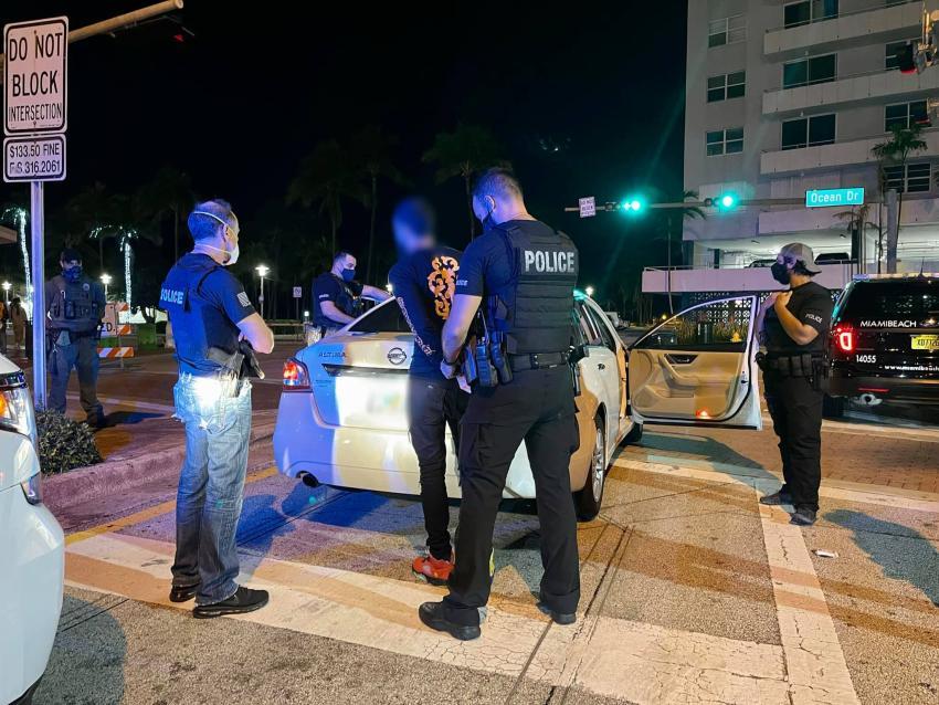 Policía de Miami Beach crea unidad para limpiar el distrito de entretenimiento; Desde el miércoles 34 arrestos