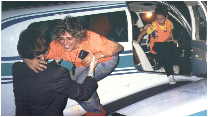 Piloto cubano que voló a Cuba para rescatar a su familia celebra 28 años de aquella hazaña