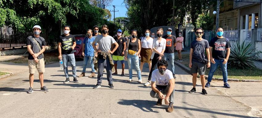Detenciones policiales en La Habana, mientras miembros del 27N se vuelven a congregar afuera del MINCULT este miércoles