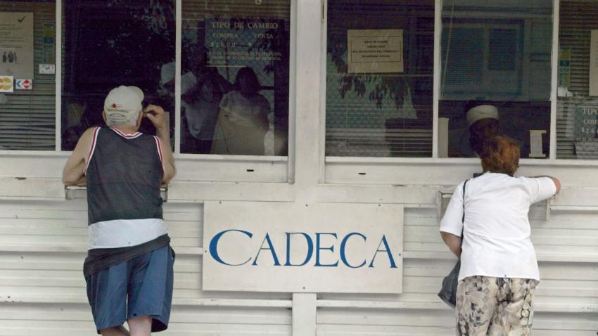 Las CADECAS no están vendiendo dólares u otras divisas extranjeras a la población, con el pretexto de la caída del turismo