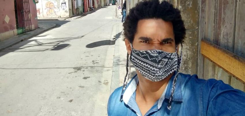 Agentes de la seguridad del estado en Cuba detienen a Luis Manuel Otero Alcántara