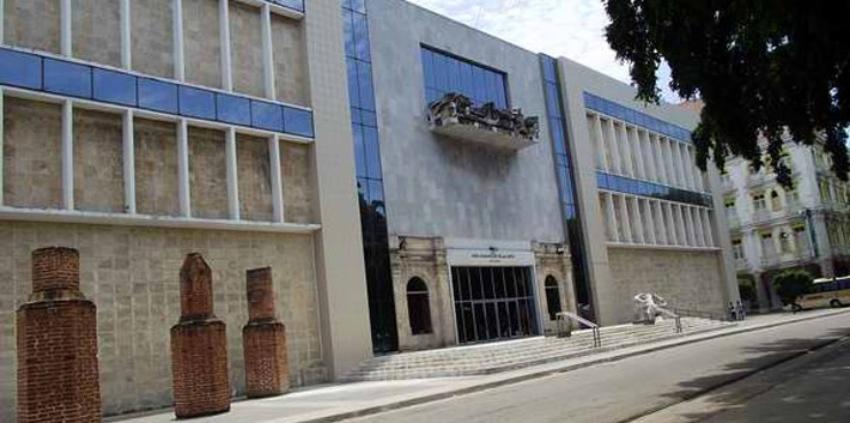 Indignación en Cuba por las nuevas tarifas de CNPC: 500 CUP por hora para consultar documentos en el Museo Nacional de Bellas Artes