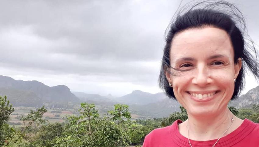 """Omara Ruiz Urquiola viaja a EEUU a fines de esta semana, y advierte que si le """"regalan argumento"""" en el aeropuerto de La Habana """"la van a conocer"""""""
