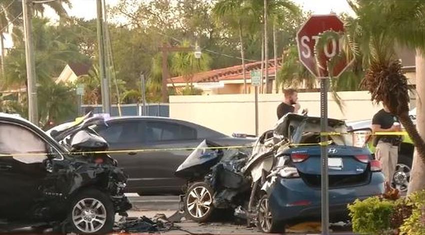 Cuatro personas mueren en accidente de tránsito en la calle Flagler al ser chocados por otro vehículo