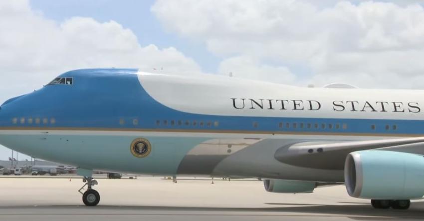 Air Force One con Donald Trump aterriza en Florida