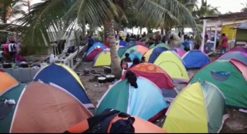Varados en una playa en Colombia, un grupo de migrantes cubanos que aspiran llegar a EEUU