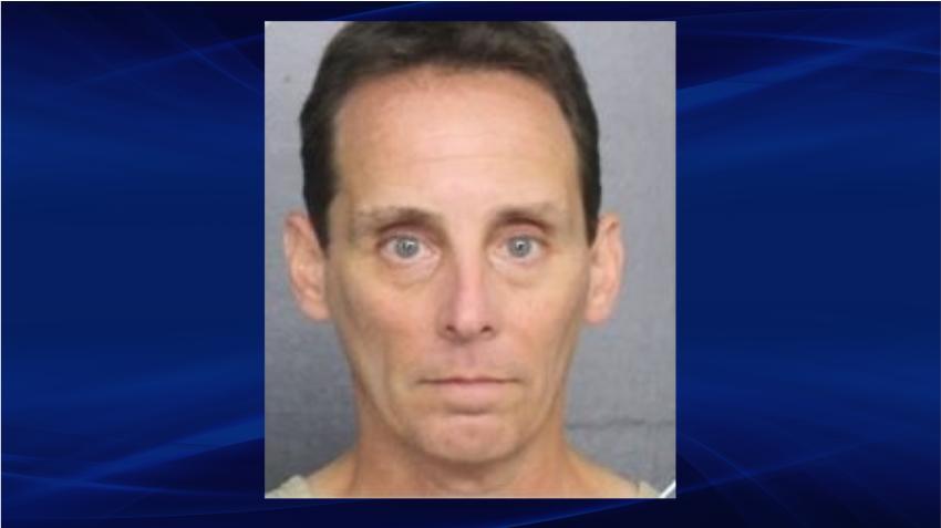 Pediatra del sur de la Florida es acusado de poseer contenido explícito de menores