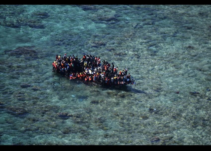 Guardia Costera de Estados Unidos asiste en el rescate de 159 inmigrantes que se encontraban en una embarcación cerca de islas Turcas y Caicos