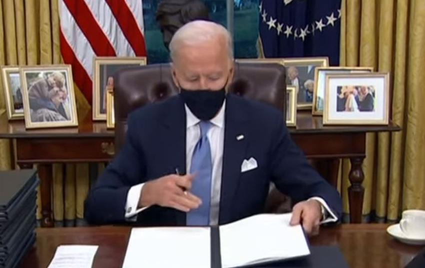 Presidente Biden asegura estar estudiando activar internet gratis para los cubanos en Cuba