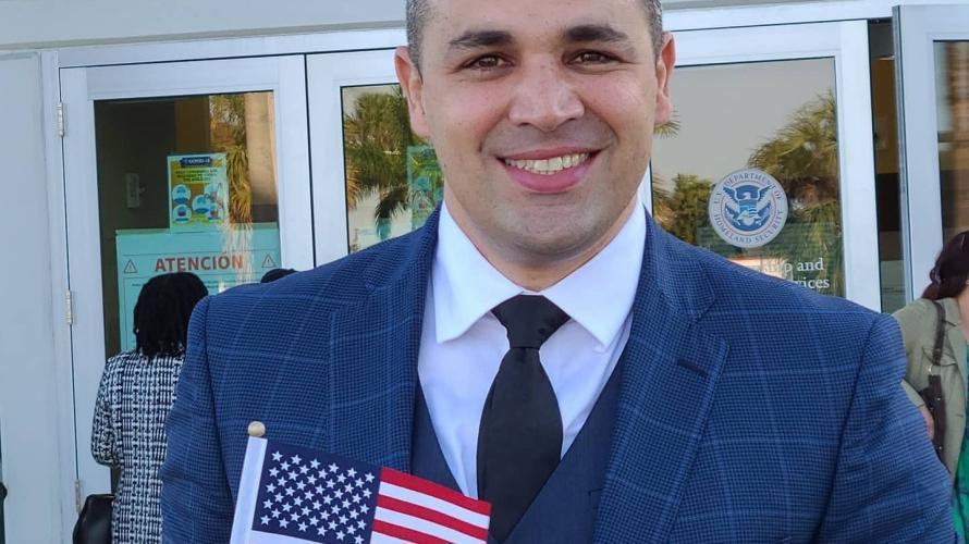 Actor cubano Lieter Ledesma se convierte en ciudadano de Estados Unidos