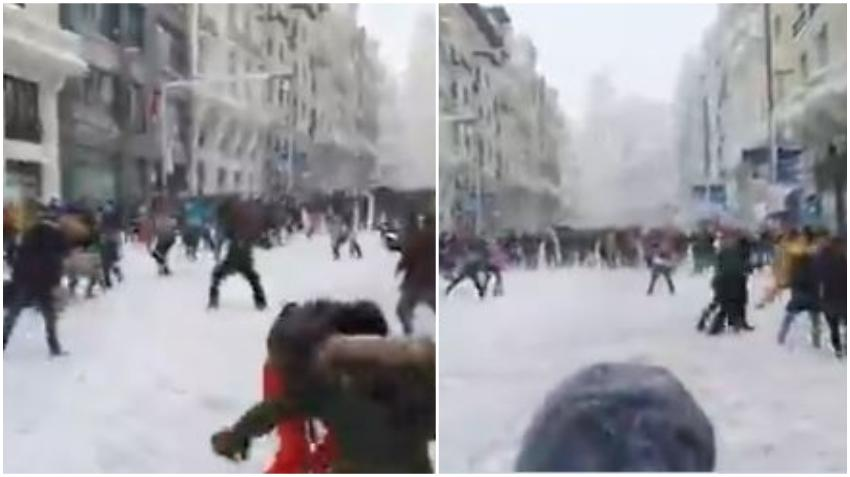 Guerra de bolas de nieve en la Gran Vía de Madrid después de una de las nevadas más grandes de su historia