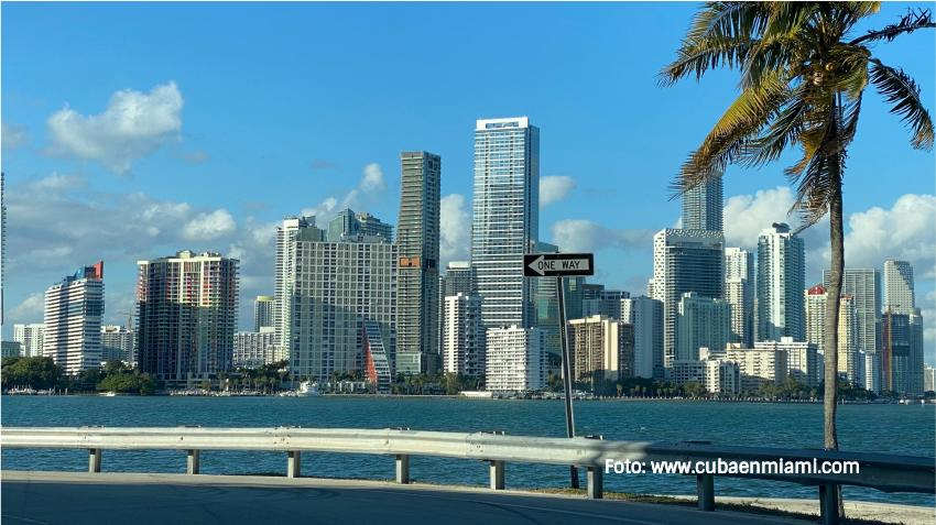Frente frío podría bajar las temperaturas en Miami que está cerca del récord de calor
