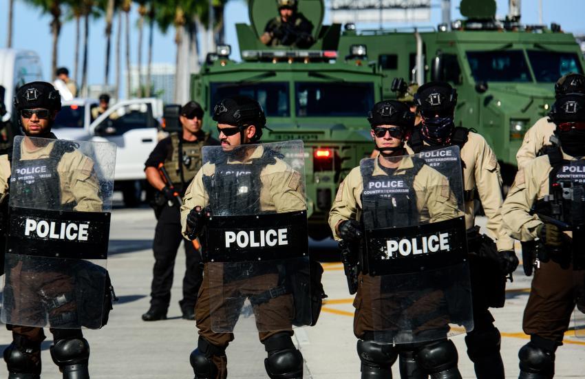 Policías de Miami Dade y Miami Beach se preparan para viajar a Washington DC como refuerzos para el día de inauguración presidencial