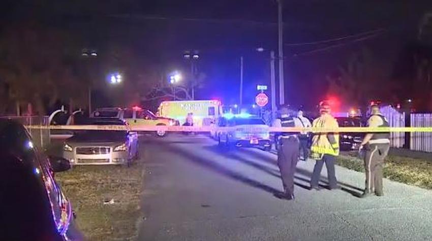 Aumentan a $15,000 la recompensa por información sobre el tiroteo en canchas de baloncesto en el noroeste de Miami que dejó 8 heridos