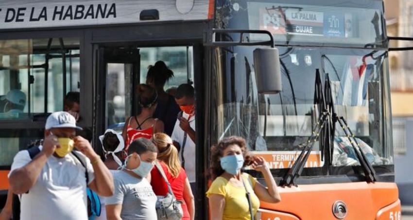 Nuevas regulaciones del transporte público en La Habana, Cuba reporta nuevo pico de casos de Covid-19: 487 en un solo día