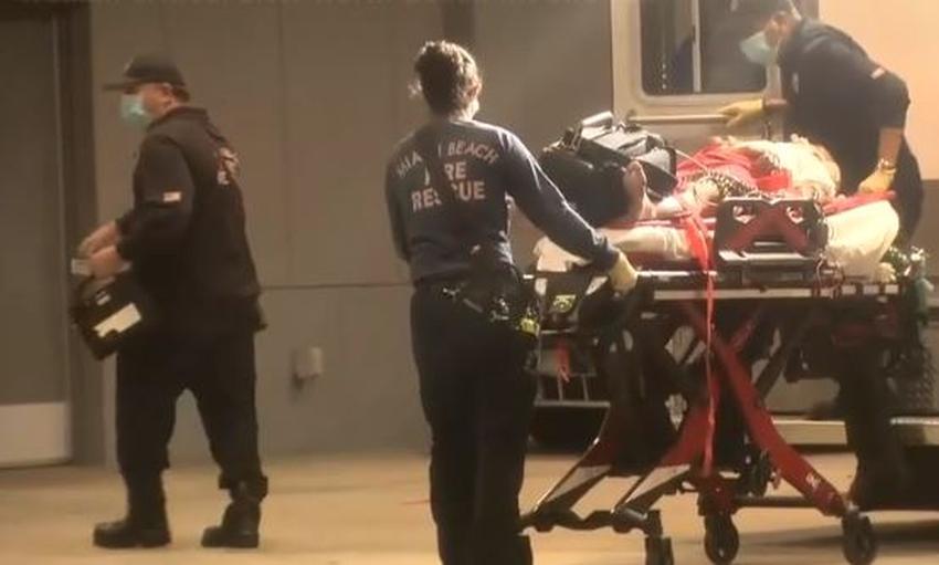 Buscan a conductor que atropelló a una mujer en Miami Beach dejándola en estado crítico