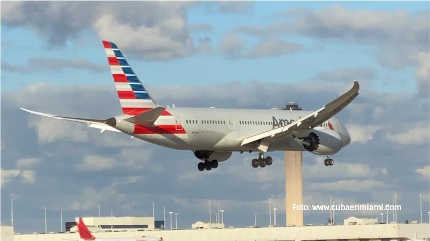 American Airlines extiende la suspensión de la venta de alcohol ante el aumento de incidentes de violencia en los vuelos