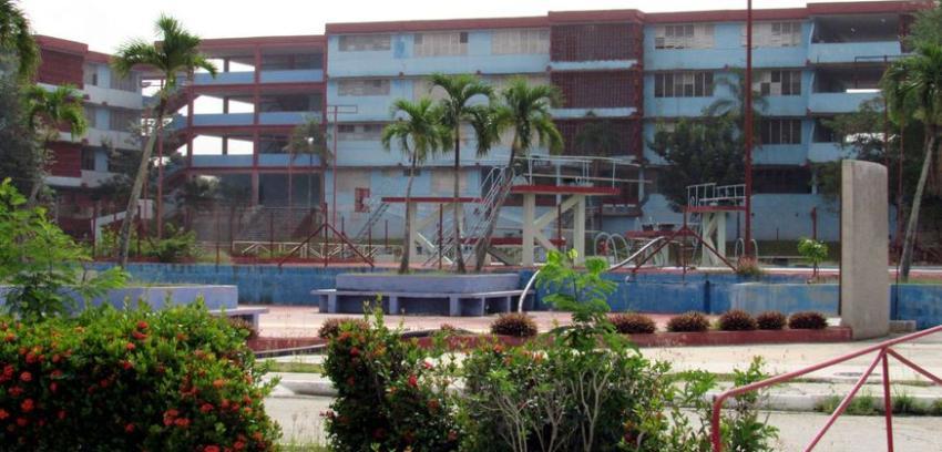 Catorce médicos cubanos llevan siete días en aislamiento en un albergue en Cuba y no se les había realizado el PCR