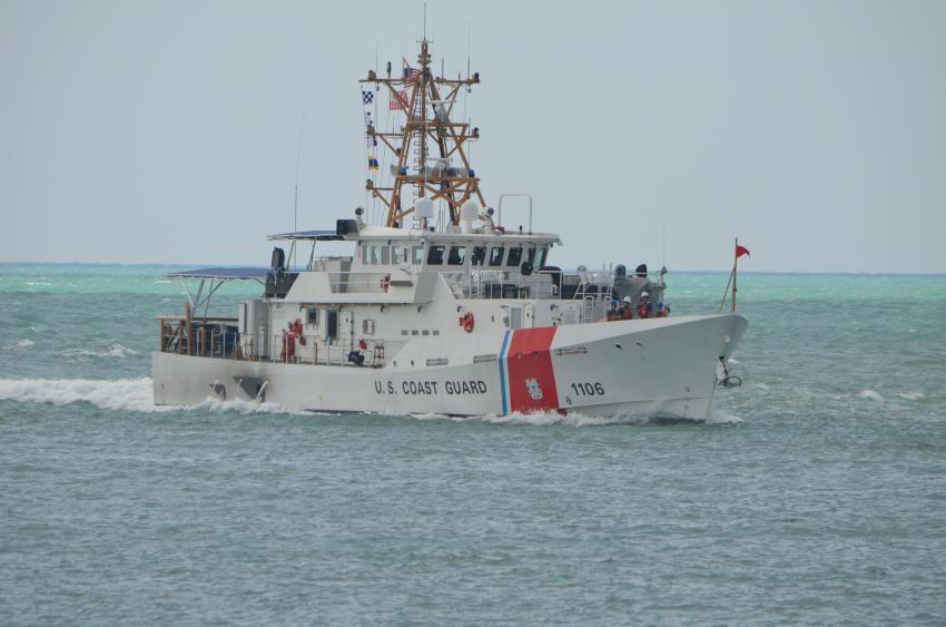 Guardia Costera de Estados Unidos repatria a 2 balseros cubanos interceptados en el mar