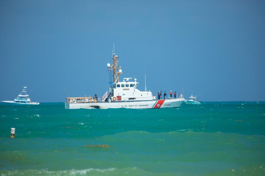Guardia Costera de Estados Unidos repatria a Cuba a 5 balseros cubanos interceptados en el mar