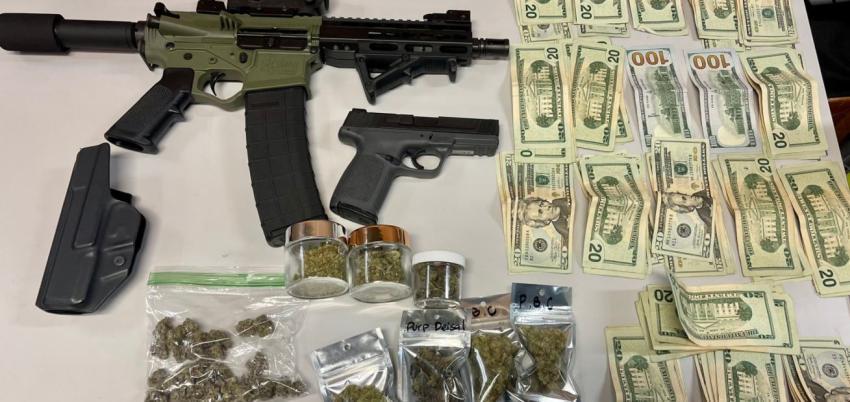 Parada de tráfico en Miami Beach lleva al arresto de dos personas y a decomiso de armas, drogas y dinero