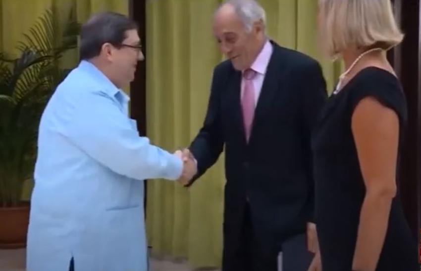 Embajador de la Unión Europea en Cuba dice que no cree que Cuba sea una dictadura