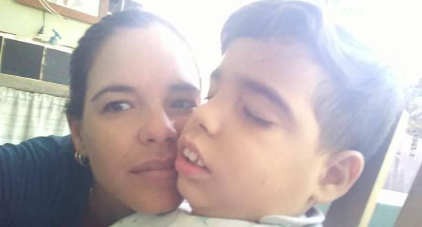 Piden ayuda para un niño cubano epiléptico, necesitado de un medicamento para tratar su enfermedad