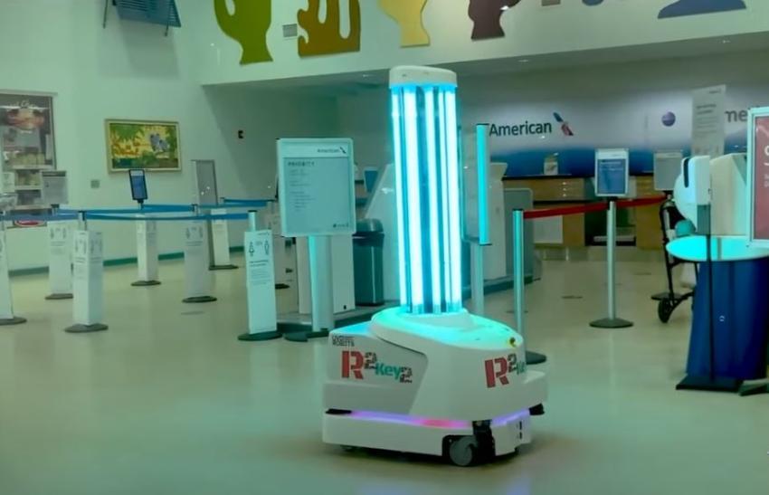 Aeropuerto de Key West usa robot con luces ultravioletas para combatir el covid-19