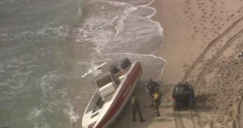 18 migrantes detenidos tras llegar en barco al Sur de la Florida