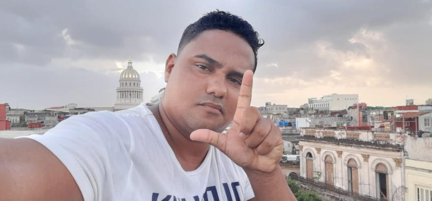 En paradero desconocido activista cubano Esteban Rodríguez, quien fue detenido en la mañana