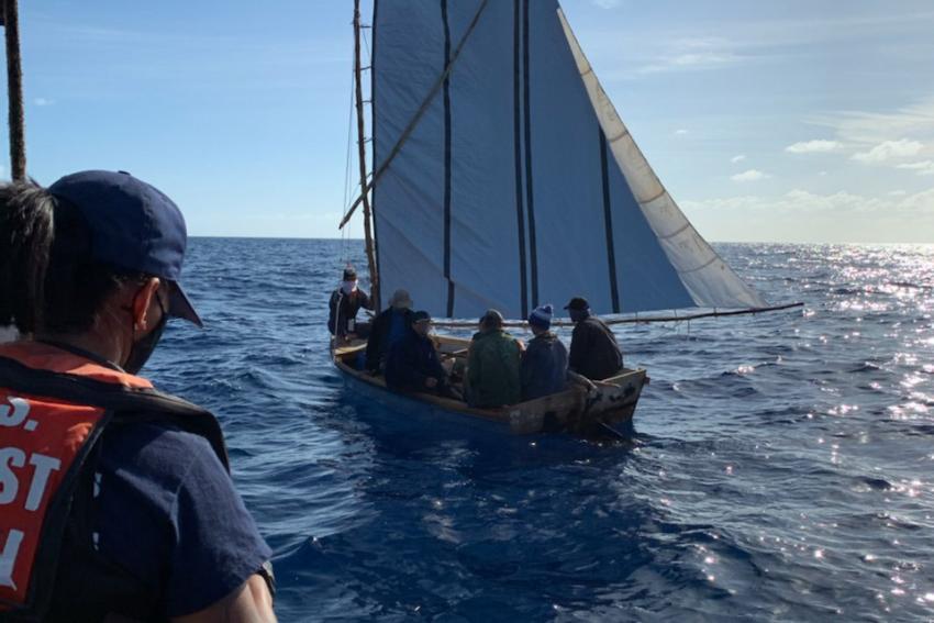 Sube de casi el 400% el número de balseros cubanos interceptados en el mar en lo que va de año fiscal 2021