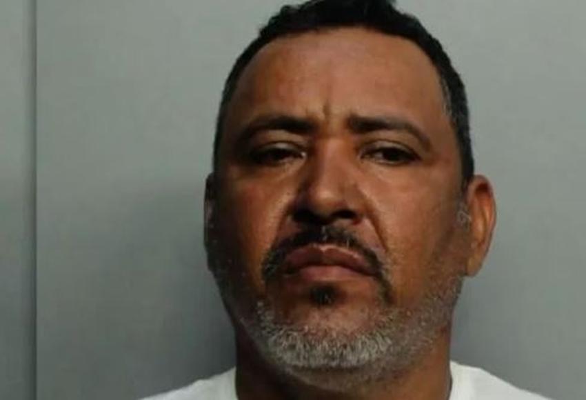 Arrestado un nicaragüense en Miami por quemar y golpear con un martillo a su esposa