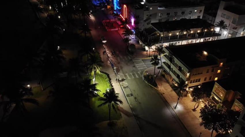 Policía de Miami Beach muestra imagen aérea de Ocean Drive vacía después que lograron dispersar a la multitud
