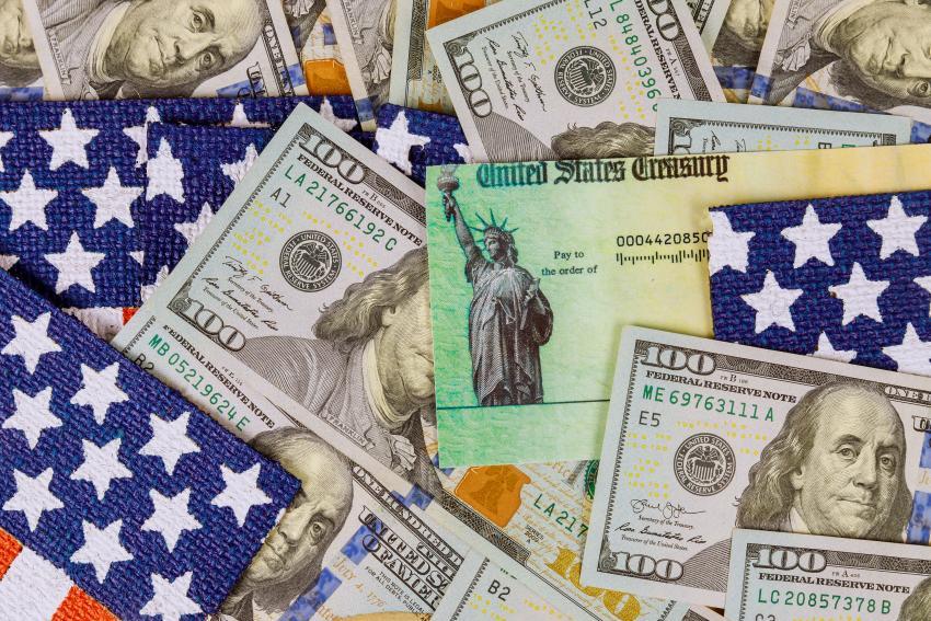 Cámara de Representantes aprueba paquete de estímulo con cheque de $1400 dólares; falta la firma del presidente Biden