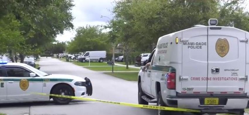Policía de Miami-Dade busca a joven de 18 años después de tiroteo que dejó a un muerto y dos heridos