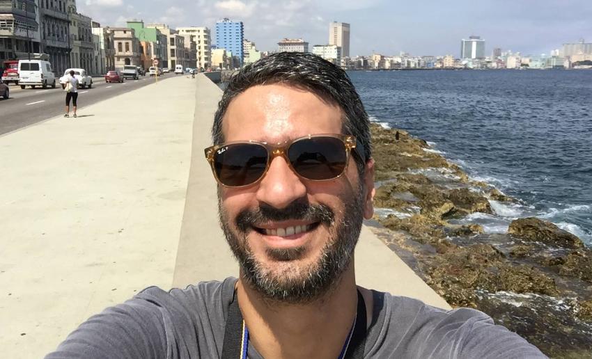 Cineasta cubano Alejandro Brugués fichado por Netflix para dirigir película de terror