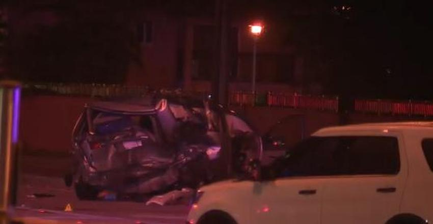 Investigan en Miami accidente que dejó un muerto y 6 heridos; conductor responsable huye a pie de la escena