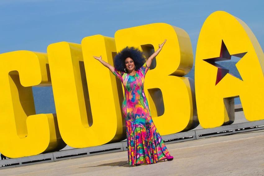 """Cantante cubana Aymee Nuviola pide a los cubanos despertar: """"Ave que nace en cautiverio cree que volar es pecado, pero no lo es"""""""