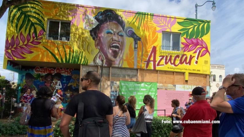 Inauguran mural de Celia Cruz en la Calle 8 de Miami
