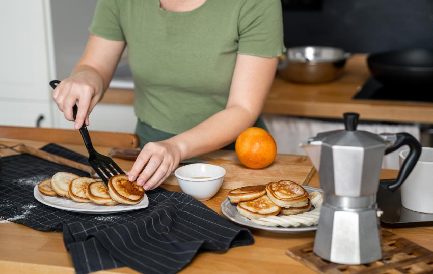 Mujer se cuela en una casa en Florida y se prepara un desayuno antes de ser arrestada