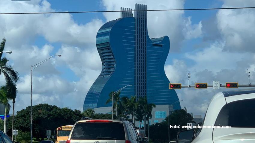 Hotel con forma de guitarra en el Sur de la Florida está ofreciendo trabajo