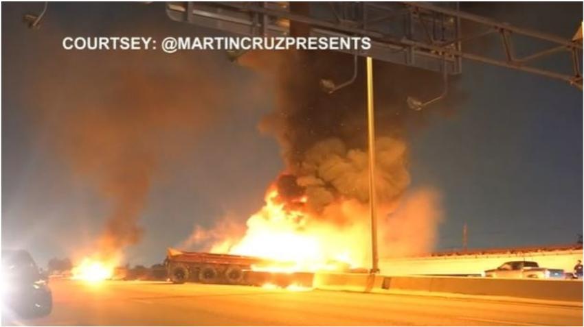 Dos vehículos envueltos en llamas causan el cierre de una autopista en Miami