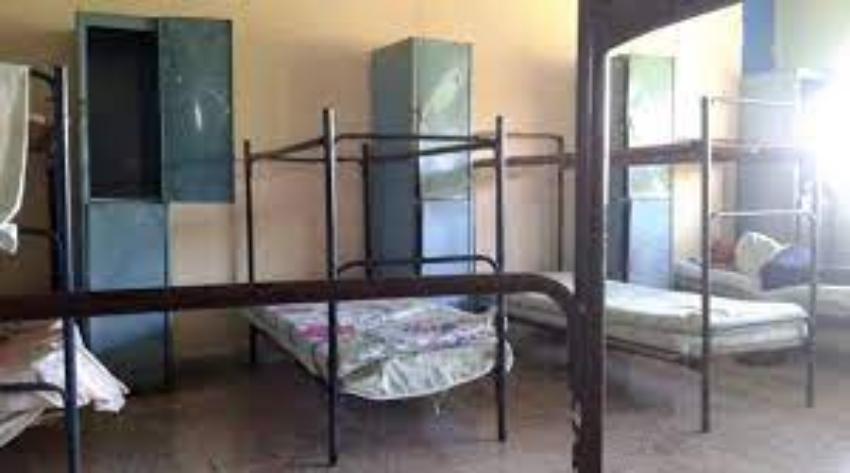 Cubano desesperado porque su hija de dos años y esposa, fueron recluidas en un centro de aislamiento con pésimas condiciones