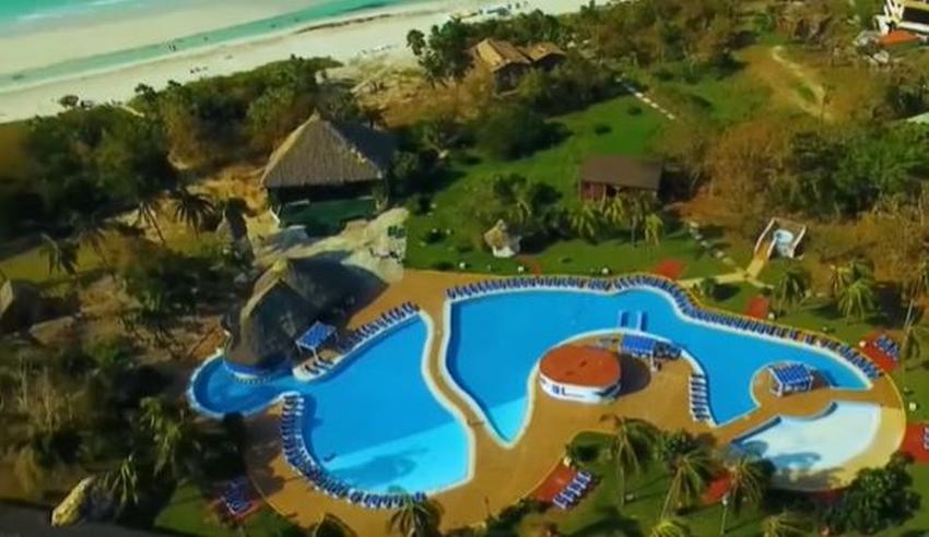 Televisión cubana hace publicidad a hoteles que se venden en dólares