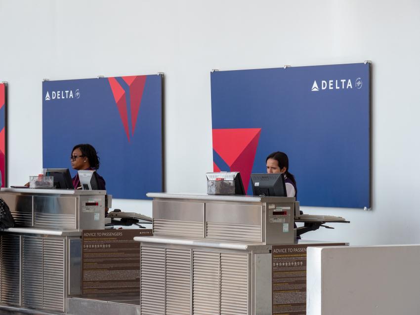 Aerolínea estadounidense Delta requerirá a todos sus nuevos empleados que estén vacunados