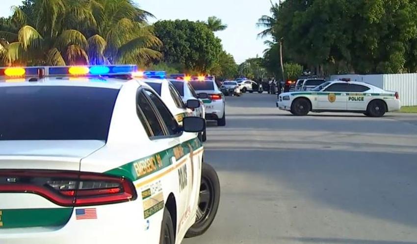 Un hombre de Miami es interrogado por una pelea dentro de su casa donde murió baleado su propio hijo