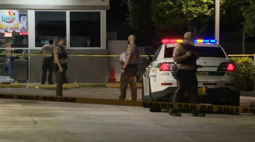 Investigan tiroteo en una gasolinera norte de Hialeah en Miami Dade