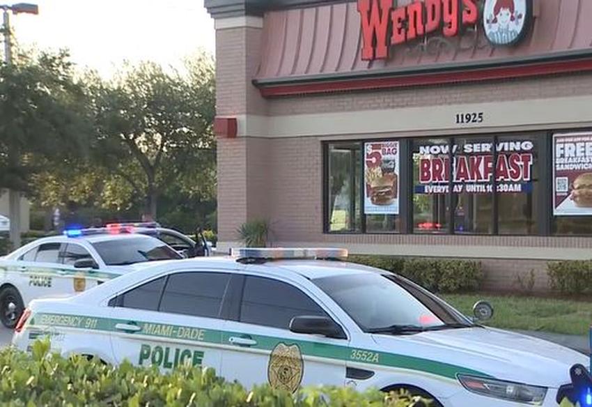Discusión entre dos clientes termina con tiroteo mortal en un Wendy's en Miami