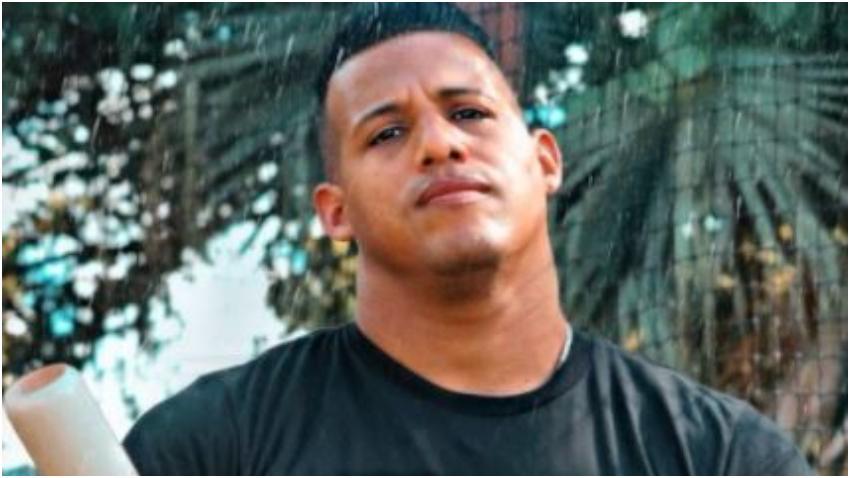 Ex pelotero cubano Yunel Escobar se declara en huelga de hambre en Miami
