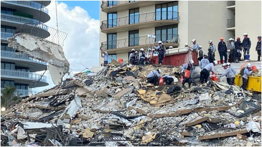 Rescatistas reanudan la búsqueda en Surfside tras horas de pausa por preocupaciones en la seguridad del lugar del colapso
